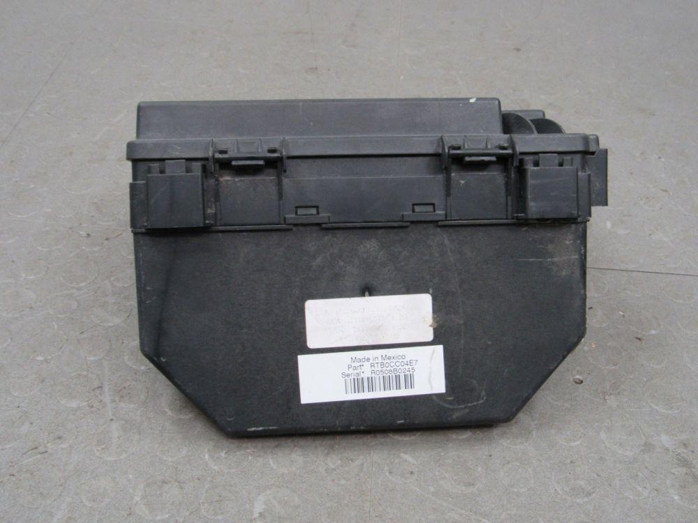 medium resolution of 08 caravan t c 09 journey tipm integrated power module fuse box 56049720at ad