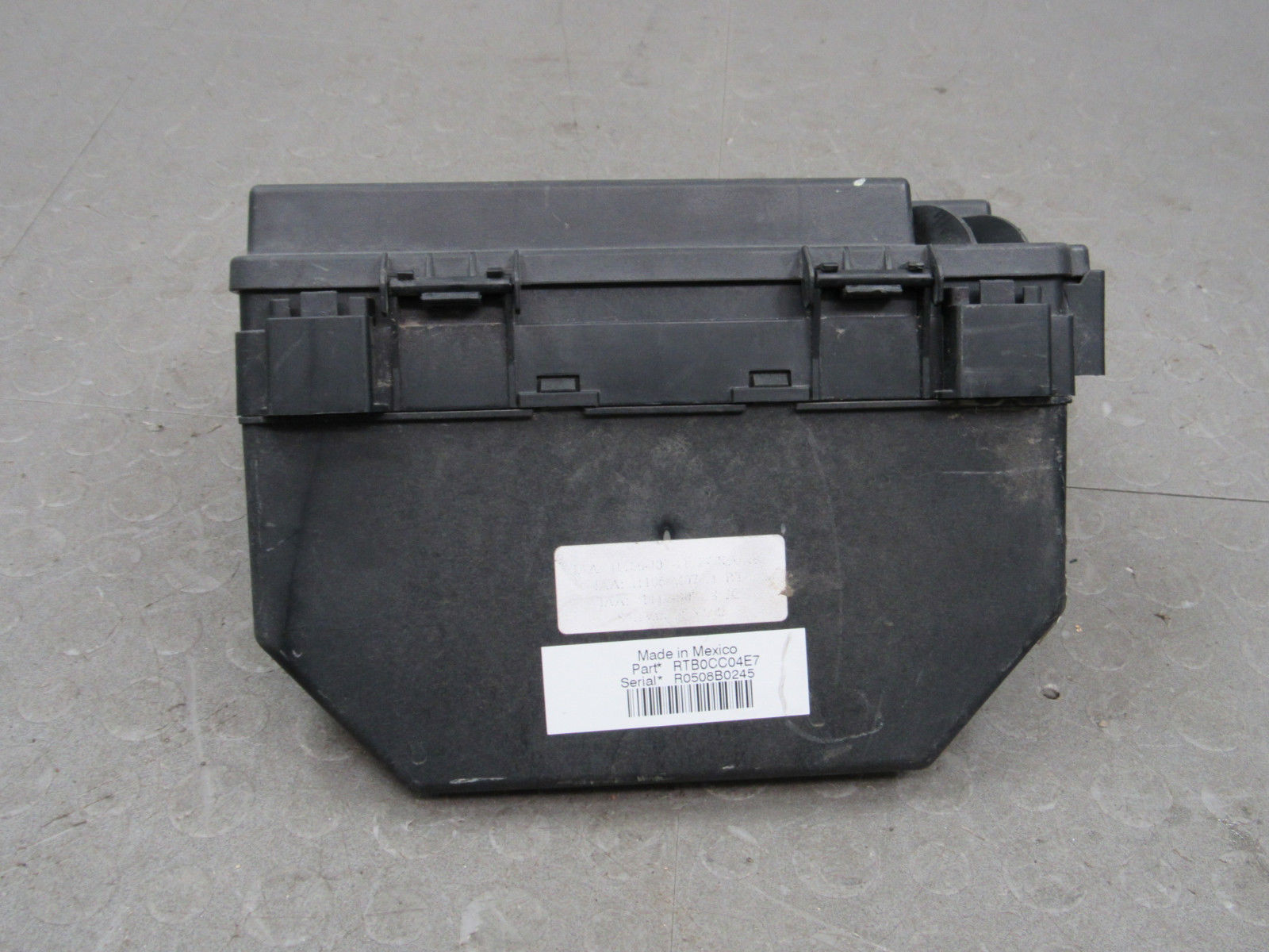 hight resolution of 08 caravan t c 09 journey tipm integrated power module fuse box 56049720at ad