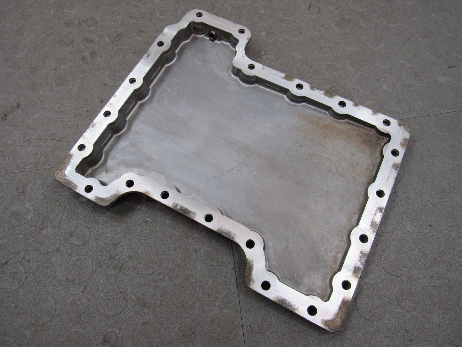 hight resolution of 03 05 land rover range rover 4 4l m62 lower aluminum engine oil cover pan oem b
