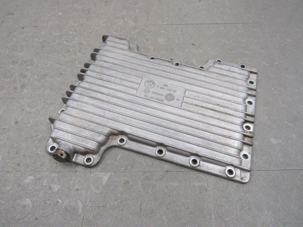 medium resolution of 03 05 land rover range rover 4 4l m62 lower aluminum engine oil cover pan oem b