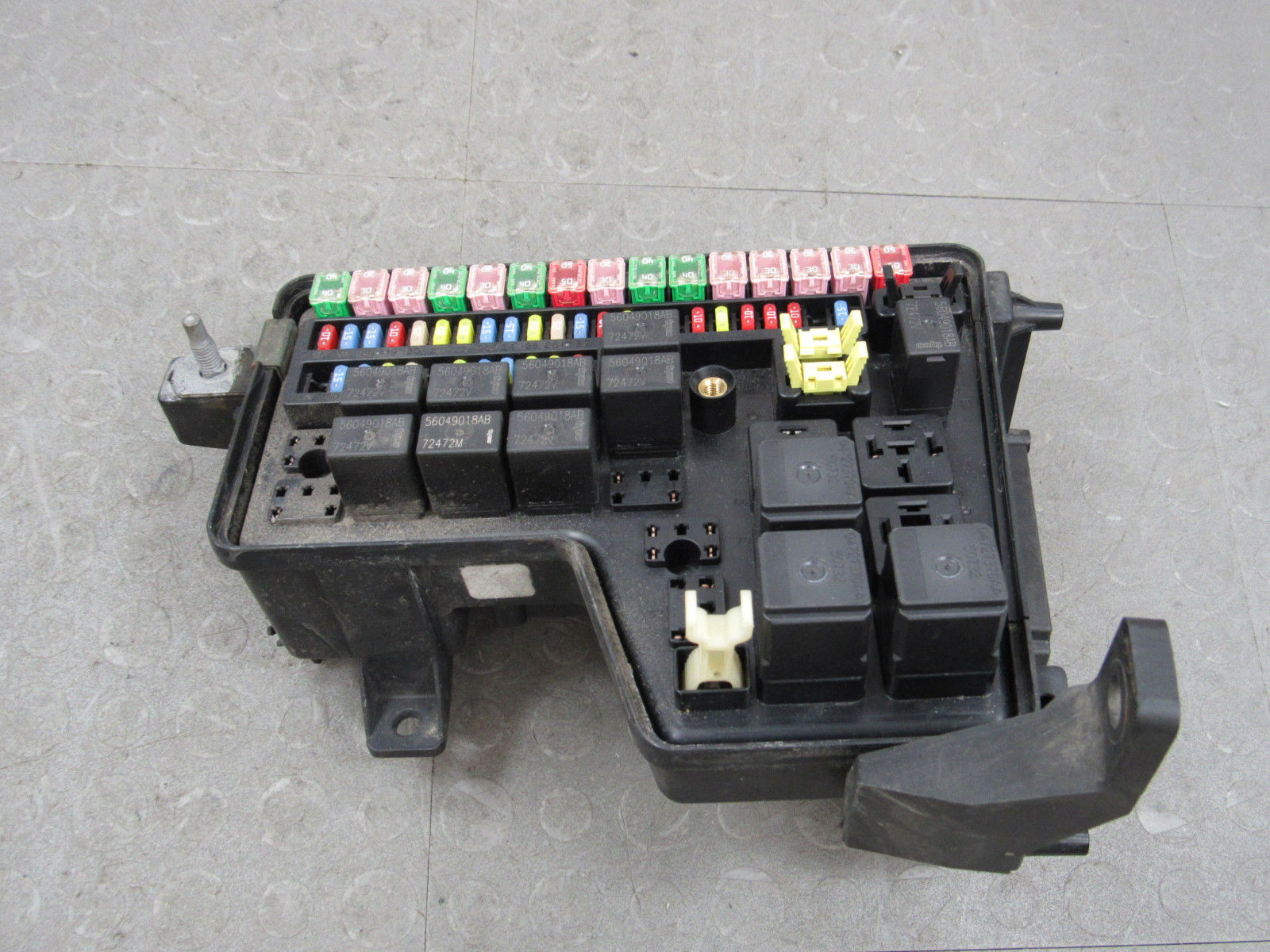 hight resolution of 02 03 dodge ram integrated power distribution module fuse box rh importapart com 03 dodge ram