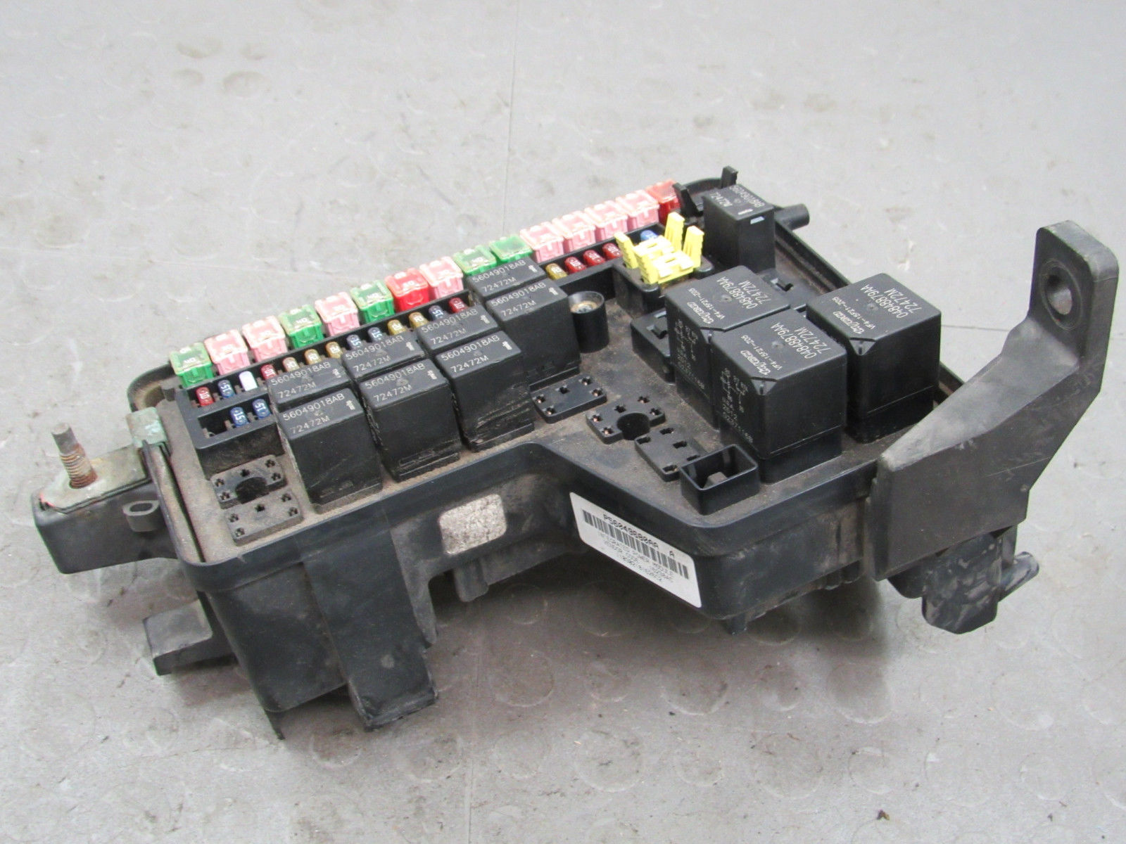 hight resolution of 02 03 dodge ram truck integrated power module fuse box block 56049680aa dc