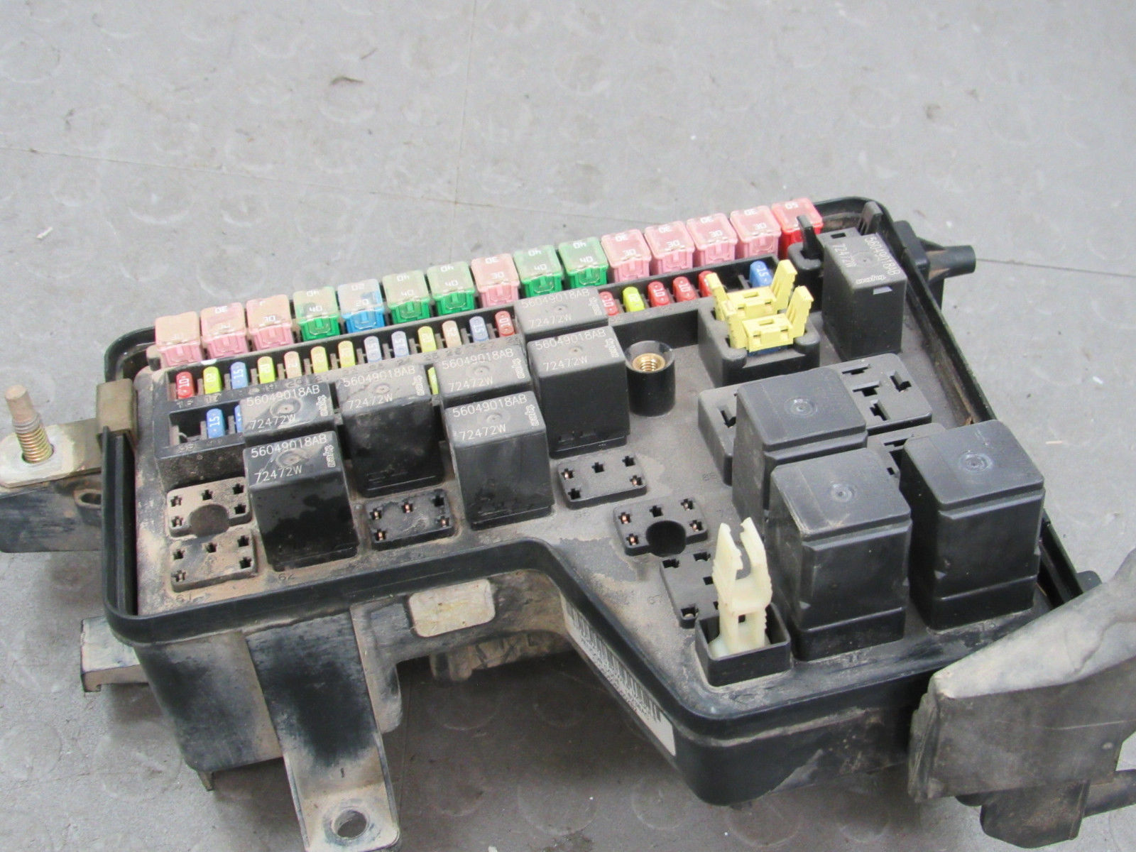 hight resolution of 03 05 dodge ram integrated power distribution module fuse box 05026034ab dy