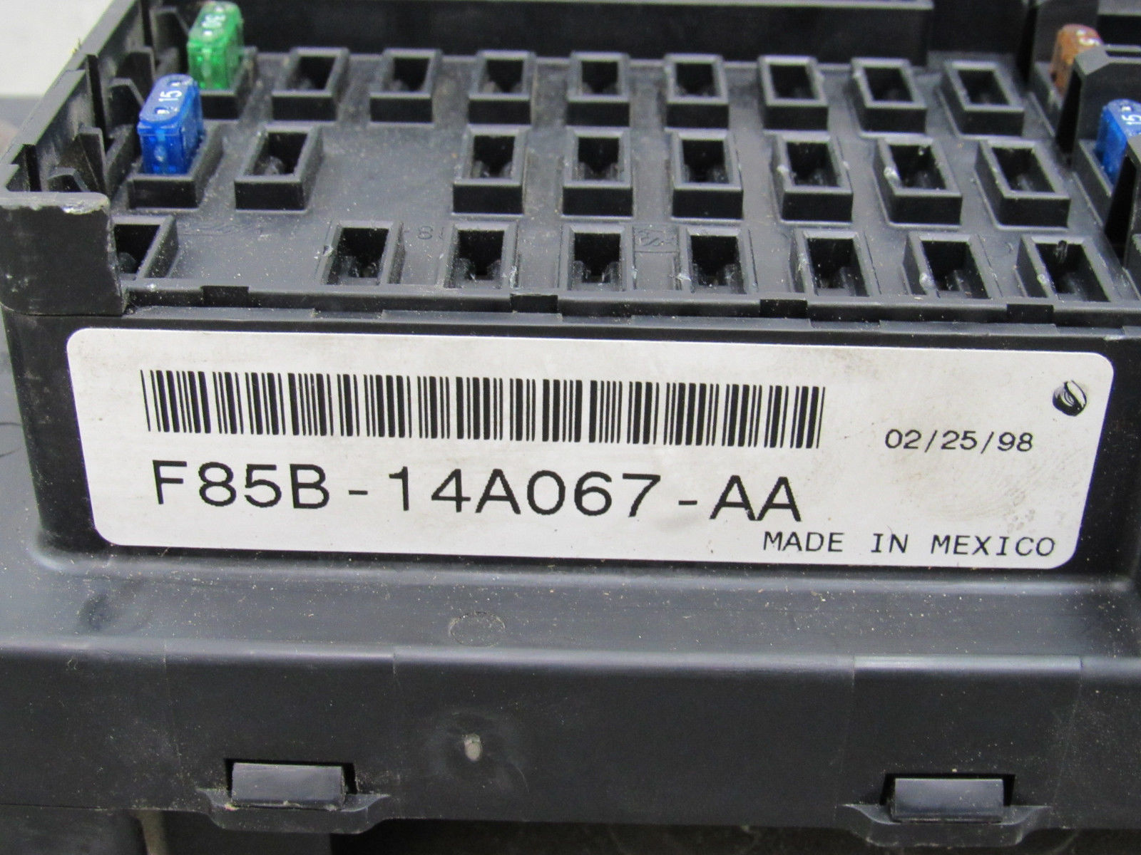 hight resolution of 97 98 ford f150 interior dash fuse box junction relay block f85b 14a067