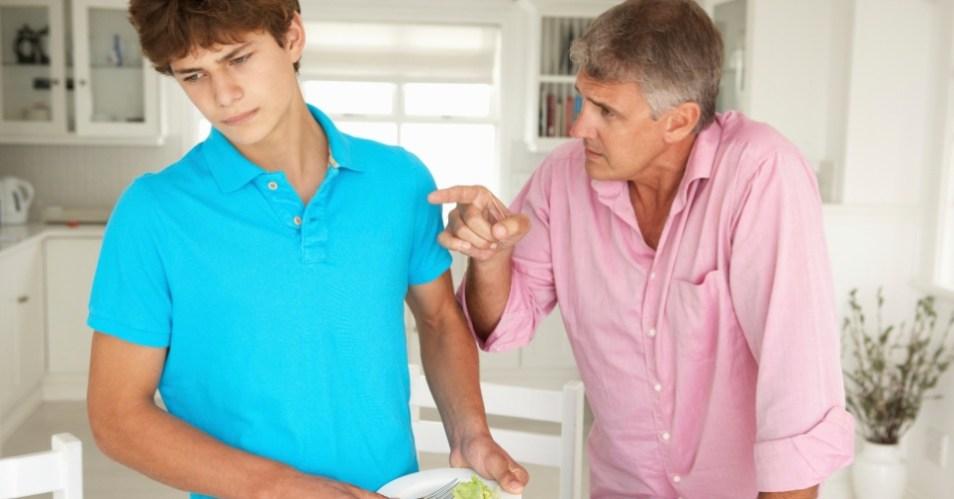 padrasto-enteado-pai-filho-bronca-1370288552561_956x500 21 Coisas Que Você Nunca Deve Dizer ao Seu Filho