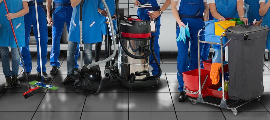 team pulizia cucina professionale