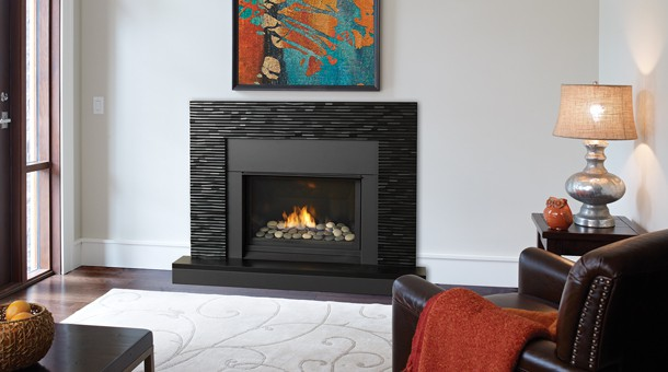 Regency Horizon HZ33CE Small Gas Fireplace