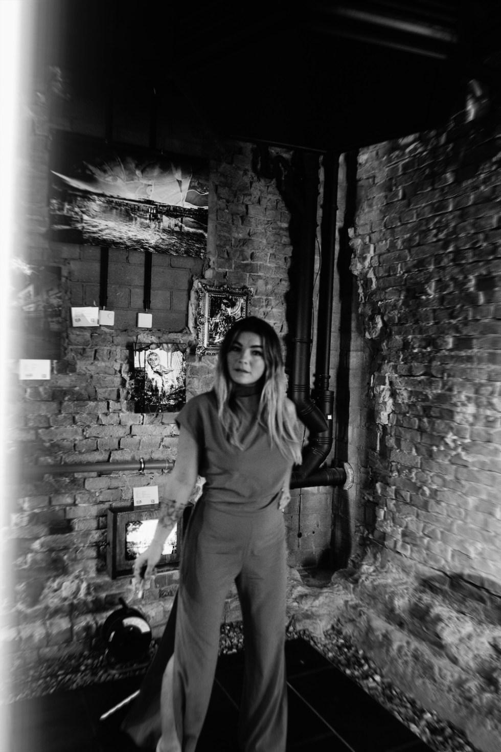 ella deck couture : #brokenmirror lesung