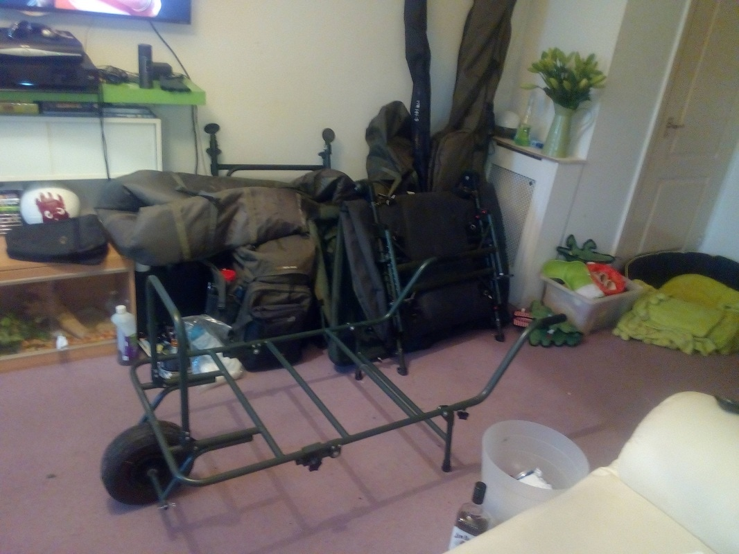 ngt fishing chair red and black gaming for sale