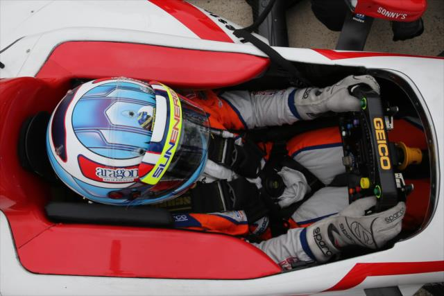 Las actualizaciones constantes del Dallara DW12, como paneles anti-intrusión en el área del cockpit, tratan de prevenir lesiones en muñecas (FOTO: Chris Jones/INDYCAR)
