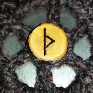 Exploring Rune Magick: Thurisaz