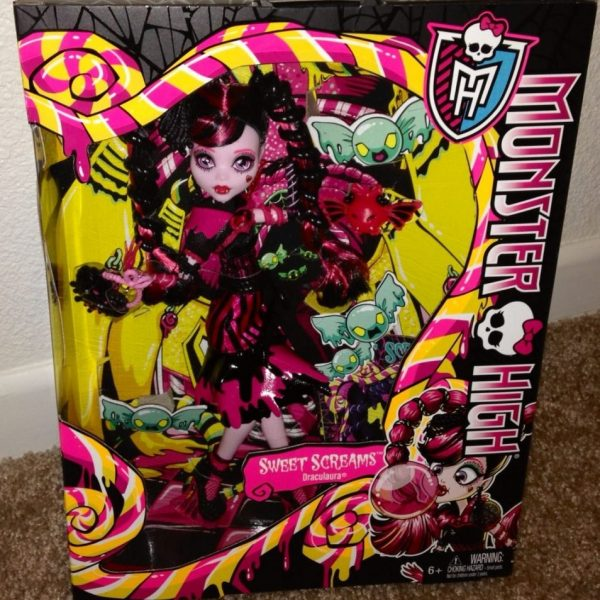 Boneca Monster High Draculaura Sweet Screams Assinada