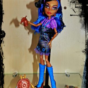 Boneca Monster High Robecca Steam Art Class Assinada