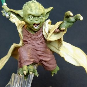 Star Wars Mestre Yoda Unleashed Statue Hasbro