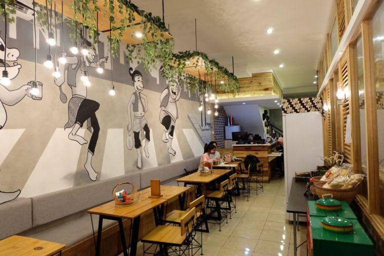Mural Hitam Putih Untuk Cafe dan Resto Membuat Tampilan