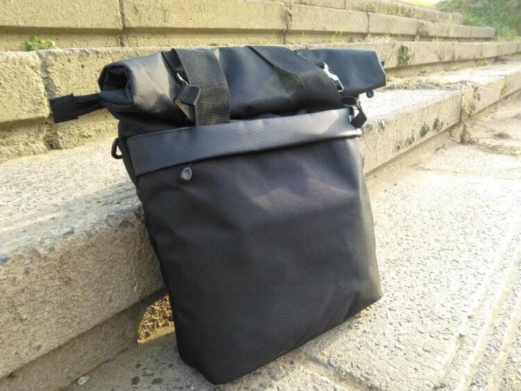 Large Shoulder Messenger Bag for DSLR Camera Photography使用例