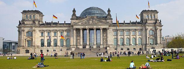 https://i0.wp.com/www.in-berlin-brandenburg.com/Sehenswuerdigkeiten/Reichstag/Bilder/Reichstag-g.jpg