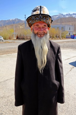Real Kyrgyzs Chinese or the other way round