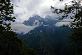 Clouds dancing between the Peaks