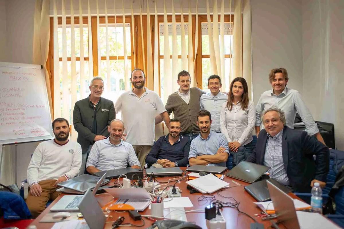 Linkedin il social network - foto di gruppo con Leonardo Bellini