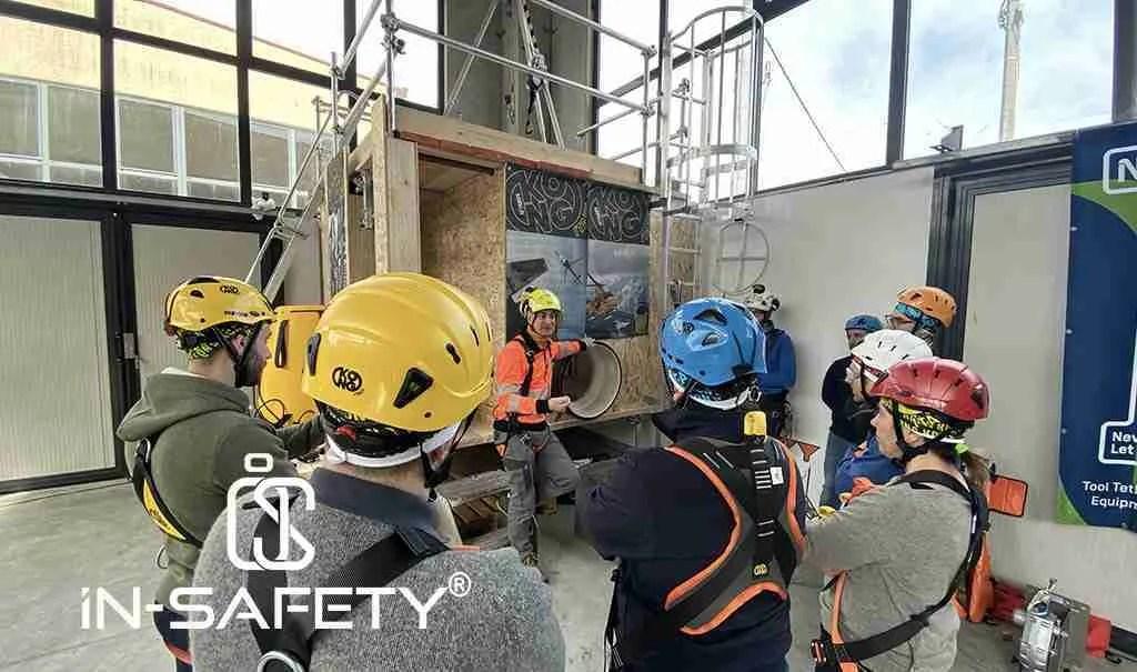 Operatori si formano all'accesso in ambienti confinati, operazione molto frequente durante una fermata impianti