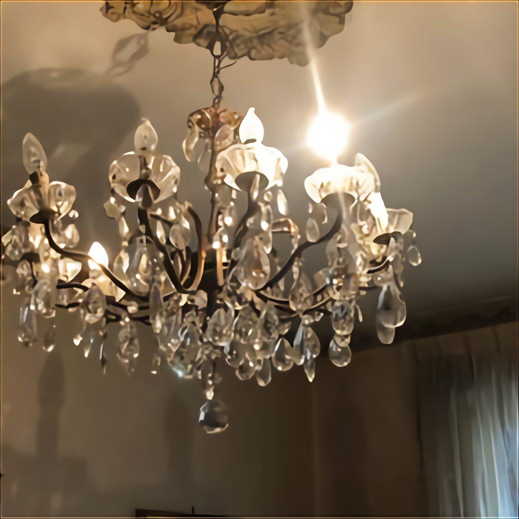 Data la complessità nella composizione che questo lampadario presenta, la pulizia delle varie parti dovrà essere eseguita in modo articolato. Lampadario Gocce Cristallo Usato In Italia Vedi Tutte I 107 Prezzi