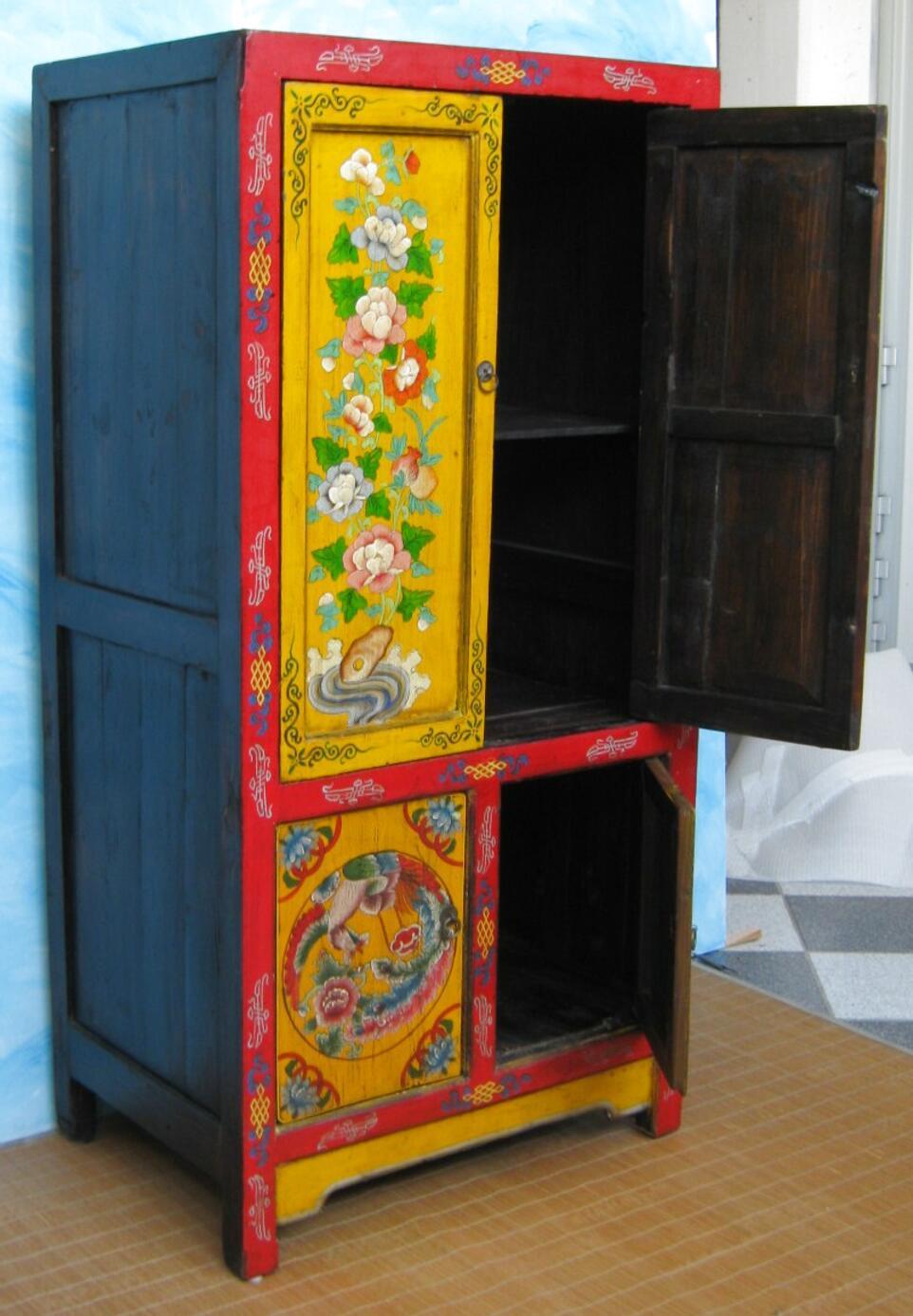 Spesso i pezzi sono unici, lavorati con particolari tecniche da artigiani che creano di volta in volta rifacendosi comunque alla tradizione. Mobili Etnici Lombardia Usato In Italia Vedi Tutte I 10 Prezzi