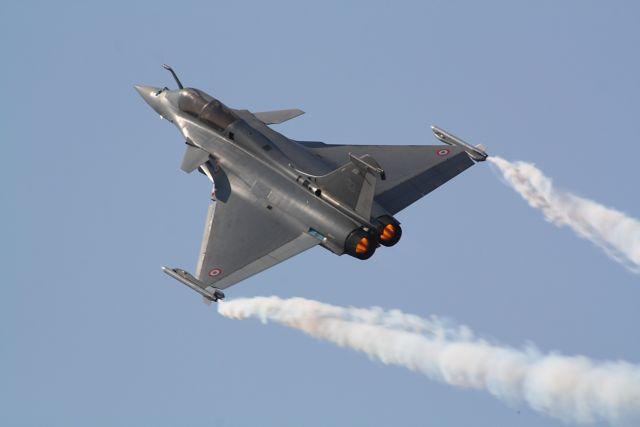 Επίδειξη αεροπορικής ισχύος από ελληνικά και αμερικανικά F-16, Rafale και Mirage