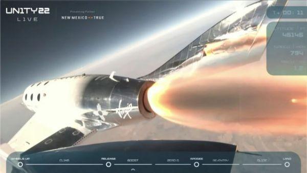 Ιστορική πτήση στο Διάστημα για τον Σερ Ρίτσαρντ Μπράνσον