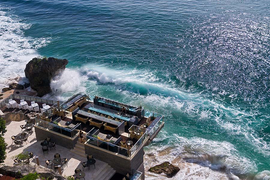 Propose at the Rock Bar Bali
