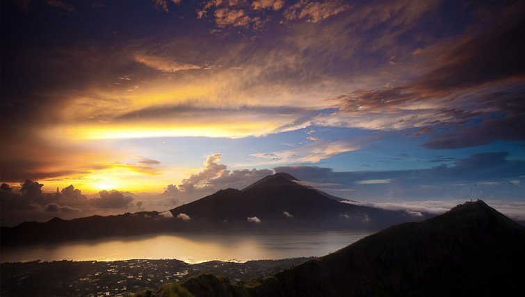 Mt. Batur Lake via Anobel Odisho