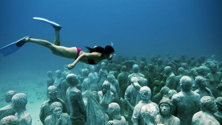 Bask Gili Meno's underwater sculpture park