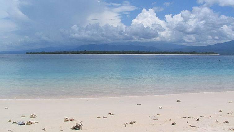 Island Gili Air seen from the beach at Gili Meno