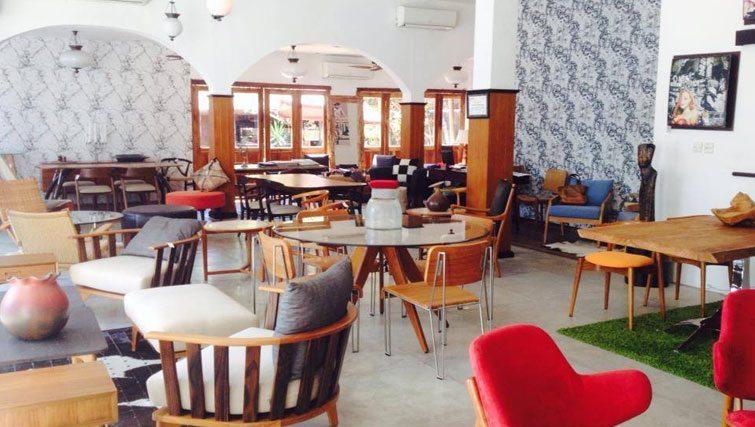 karma living furniture store bali