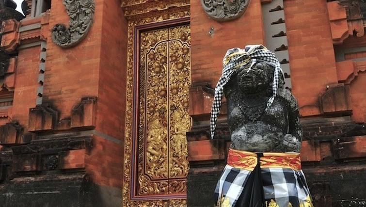 petitenget temple bali culture