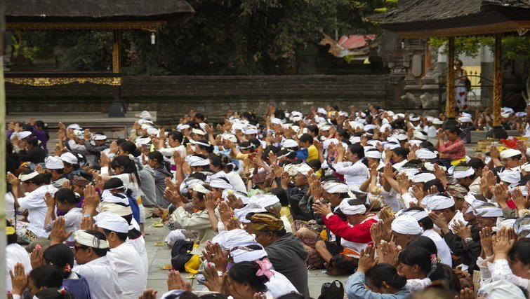 Tirta Empul Prayers