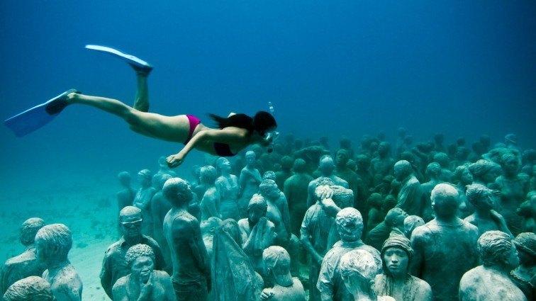 bask underwater sculpure gili meno