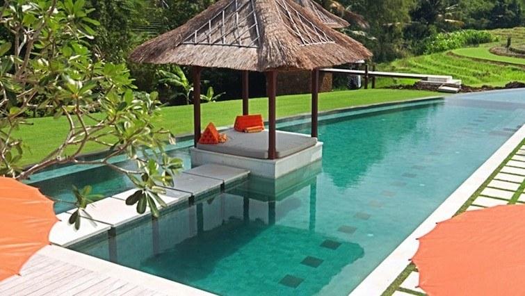 puri bawana bali private rice feild villa for rent canggu bali