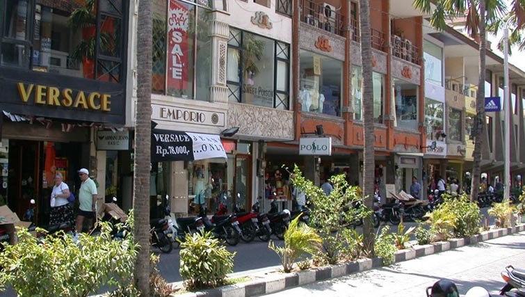 Shopping promenade at Kuta square