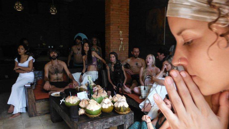 Soma Warung chanting hippy Ubud
