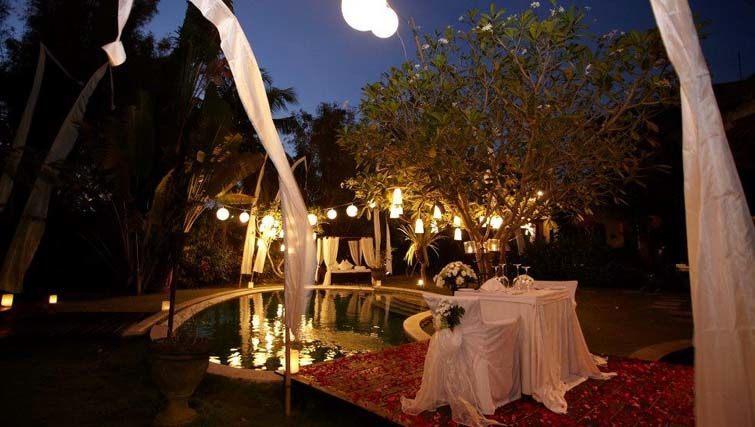 Romantic Xmas dinner at Villa Mathis