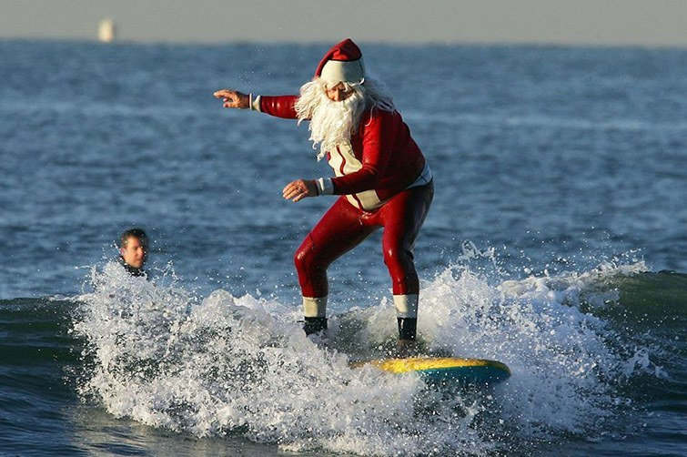 Surfs up Santa