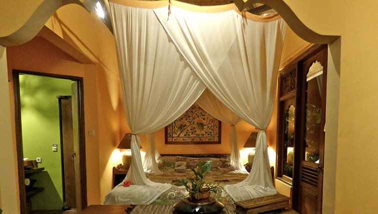 One of the beautifully decorated rooms at Sarinbuana.