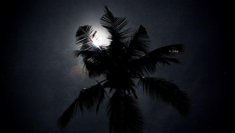 Full Moon. Photo by Poolski