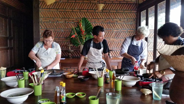 Cookingclass at Bali Asli Restaurant.