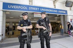 armed-cops-b