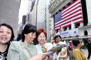 Female Chinese Travelers