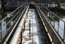 Sludge from sewage treatment plants could be fully processed by the TreaTech spin-off device. Credit: Alain Herzog