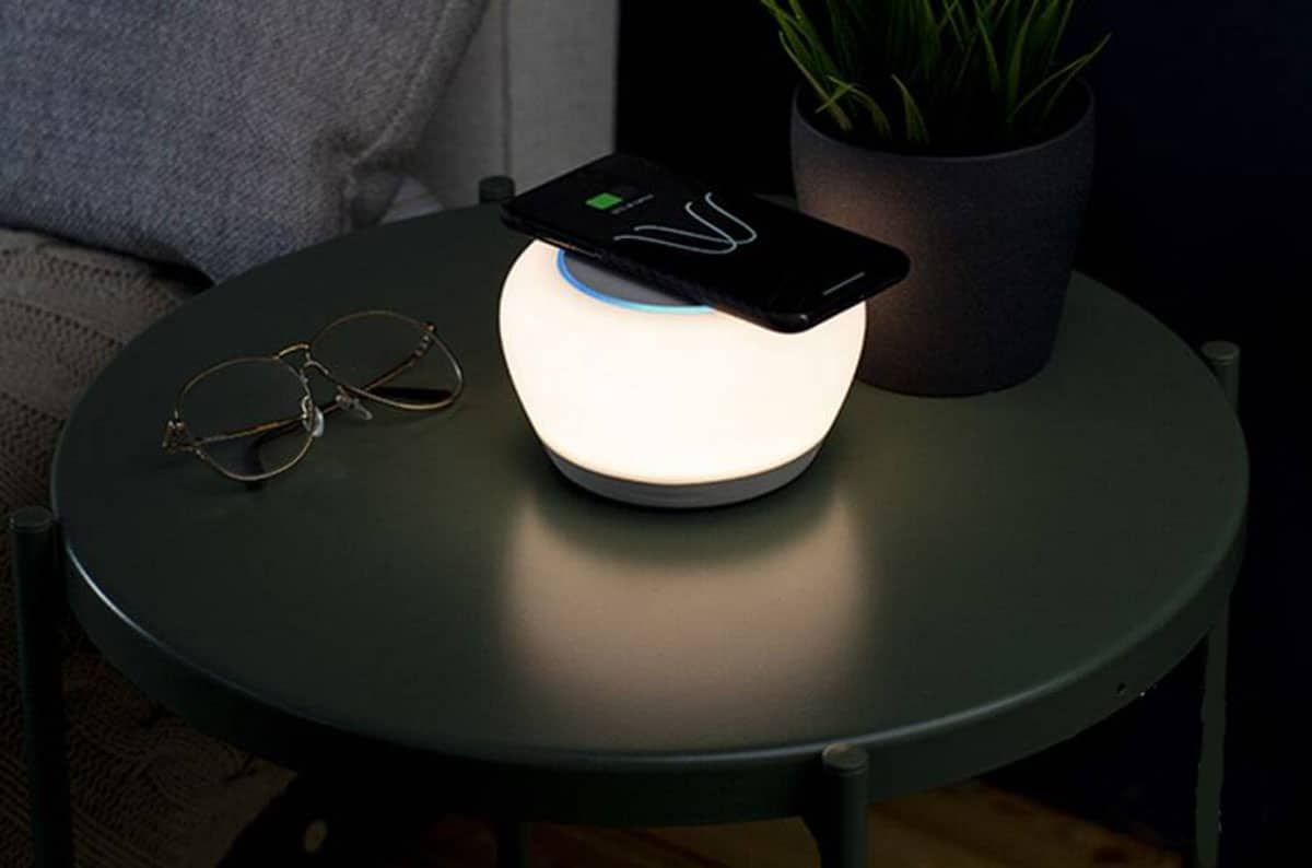 Luna Smart Lamp combines Alexa voice services and Qi wireless charging