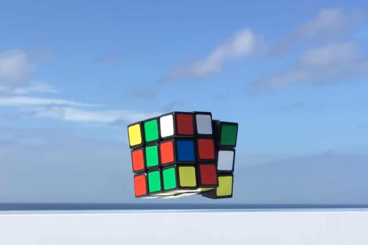 A self-solving Rubik's Cube that floats in the air while solving itself